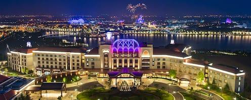 Shanghai Disneyland Hotel   Shanghai Disney Resort
