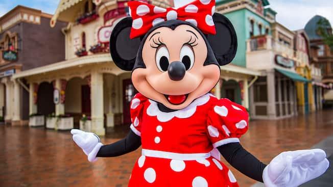 meet minnie mouse and friends entertainment shanghai disney resort